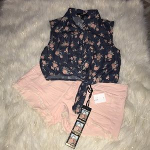 Forever 21 Denim Floral Sleeveless Top-Size XS